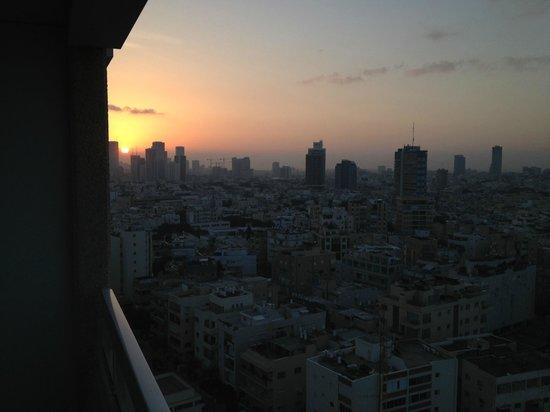 Sheraton Tel Aviv Hotel: sunrise