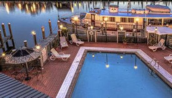 St. Michaels Harbour Inn Marina & Spa: Pool