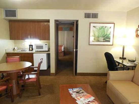 Ramada Mesa Phoenix East Area: King Suites