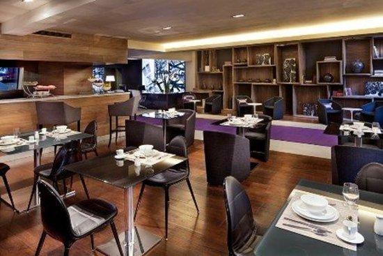 Las Suites: Coffee Lounge