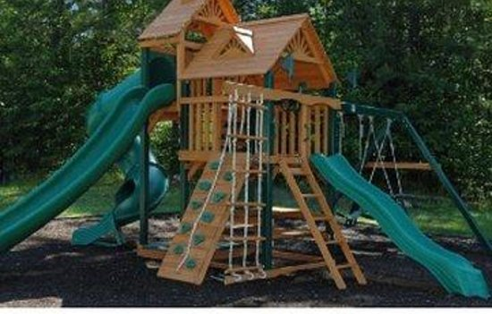 Saco River Lodge & Suites: Playground