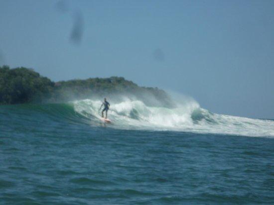 Santa Catalina Los Tecales: olas de la punta