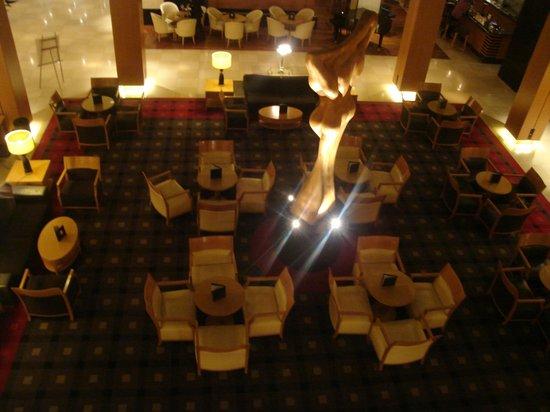 โรงแรม ฮิลตัน เวียนนา:                   Lobby-bar