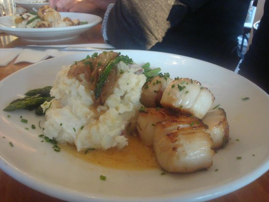 Matunuck Oyster Bar:                   scallops and smashed potatoes