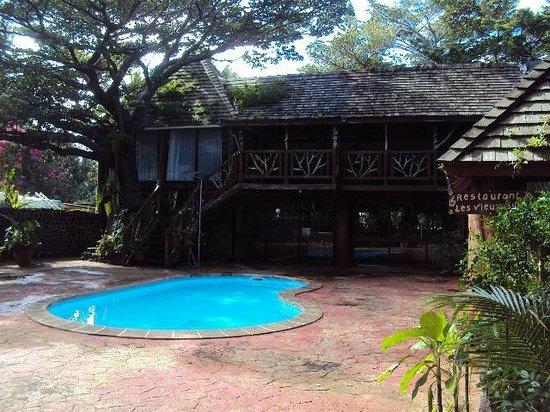 Hotel Kou-Bugny:                   Pool
