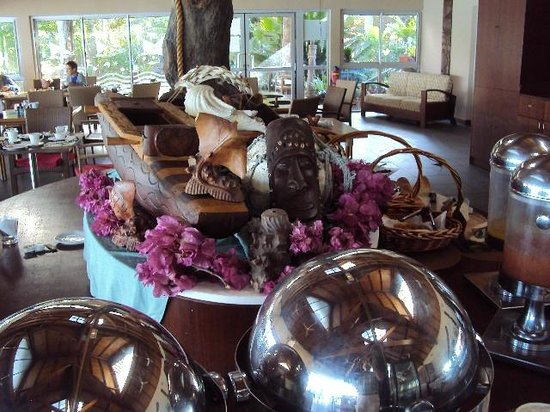 Hotel Kou-Bugny:                   Breakfast buffet table