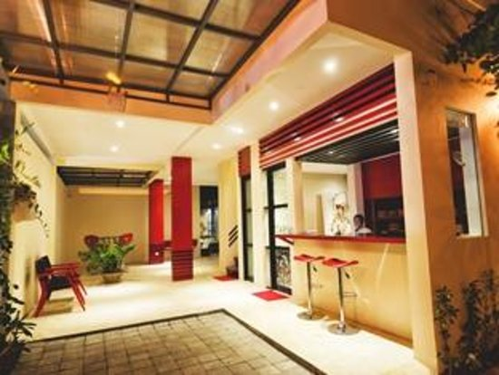 Bali Ginger Suites' Poolside Super Deluxe Suite: Reception and Front Office staffed 24 hours a day.