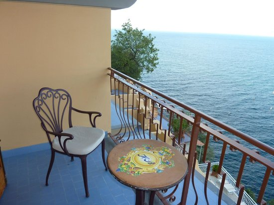 Hotel Belair:                   Balcony Seating with the Bay of Naples.