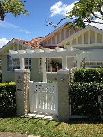 Clayfield B & B : Main entry to Clayfield B and B