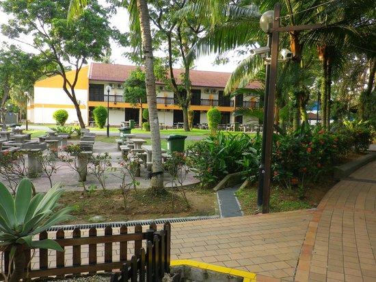 Costa Sands Resort - Downtown East: grounds