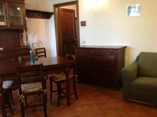 Agriturismo Il Casalone :                   Apartment living room and kitchen area