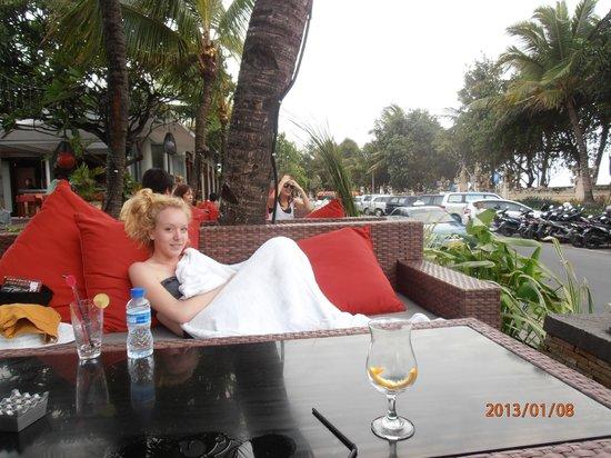 คูตา ซีวิว บูติกรีสอร์ท แอนด์ สปา:                   by the pool