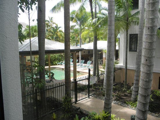 Grosvenor in Cairns:                   pool