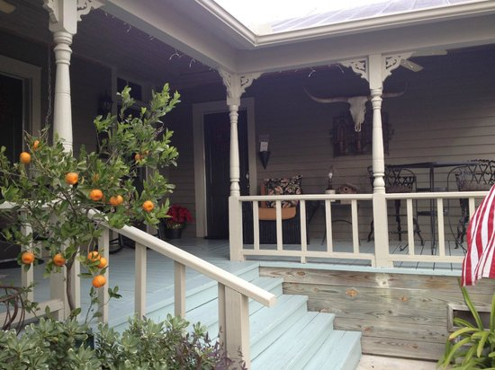 Murski Homestead B&B:                   Back porch