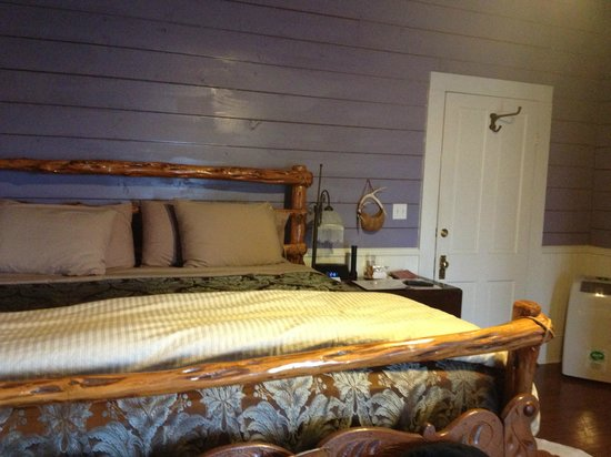 Murski Homestead B&B:                   Huge (and comfy!) king bed