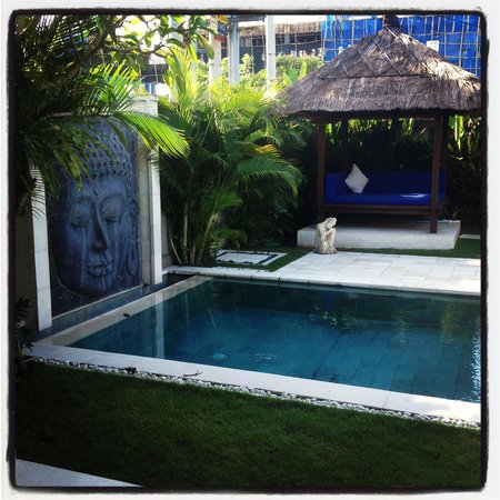 Villa Bugis:                   Beautiful 2nd pool