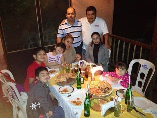 Monte Verde Trattoria Pizzeria: Regresando y con más amigos