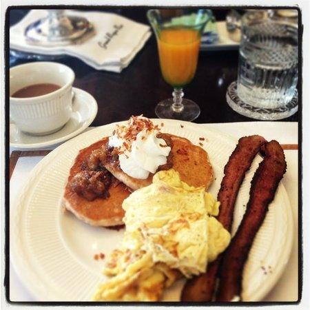 Grand Bayou Noir :                   Breakfast