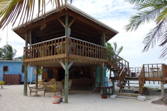 Glovers Reef Basecamp:                   dining and gathering building