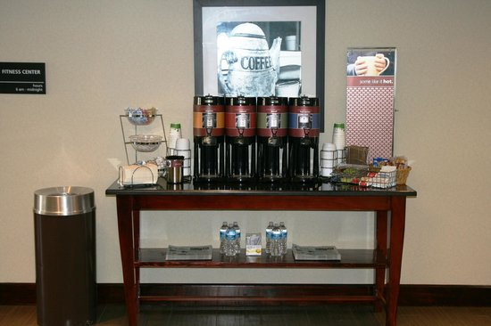 Hampton Inn Danville: Complimentary Coffee - Available 24 hours a day