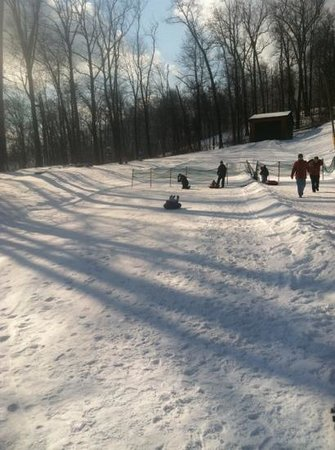 Liberty Mountain Resort :                                     kids on the tubes at the kiddie hill