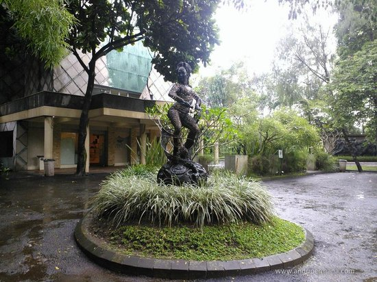 NuArt Sculpture Park :                   An iconic sculpture of Inul, Indonesian popular singer.
