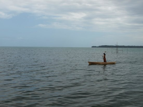 Urraca Private Island:                                     ..so I learned to canoe standing up!
