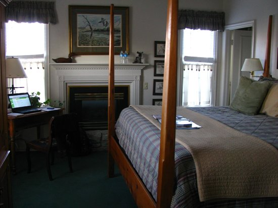 Montford Inn and Cottages:                                     my room at the montford