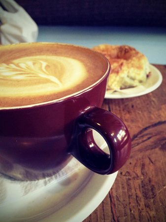 Moonbean Coffee Company : Latte & spinach and feta cheese borek