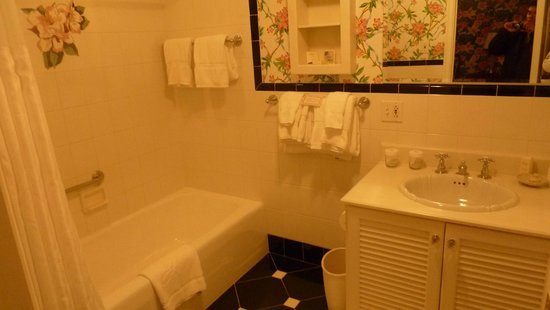 The Greenbrier:                   Country motif bathroom