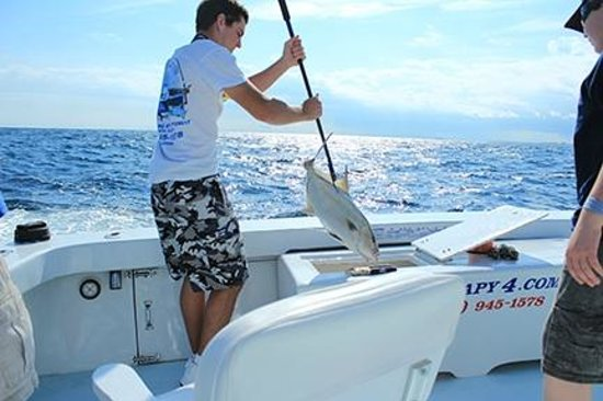 Fishing on the therapy iv with captain mike franco and for Deep sea fishing miami