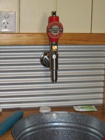 Rudds Pub:                   Basin Tap