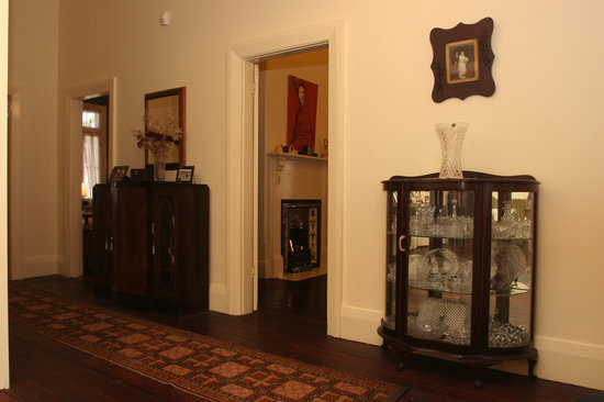 The Old Parkes Convent : Music Room apartment hallway