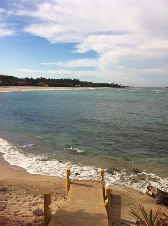 Four Seasons Resort Punta Mita:                   Steps down to beach