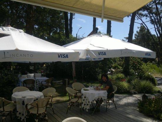 L' Incanto Ristorante & Caffe:                   El jardín