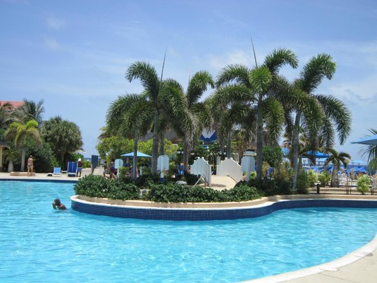 St. Kitts Marriott Resort & The Royal Beach Casino:                   Pool
