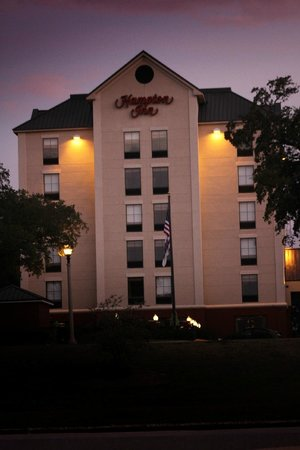 Hampton Inn Biloxi:                   Hampton Inn