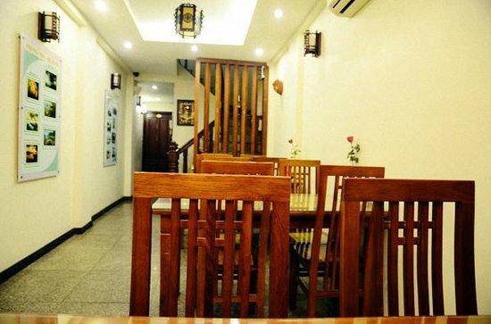 Hanoi Charming Hotel:                   ห้องรับประทานอาหาร