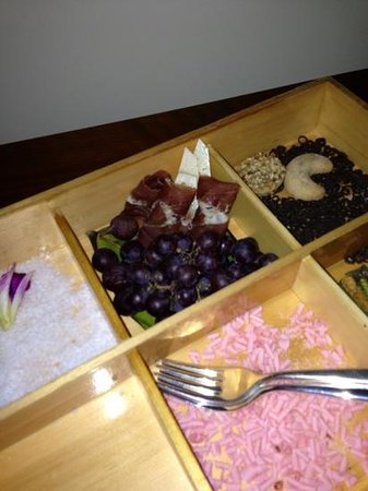 Mandarin Oriental, Washington DC:                   I took them 4 days to take this tray out of my room.