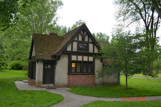 playhouse picture of edsel eleanor ford house grosse pointe shores. Cars Review. Best American Auto & Cars Review