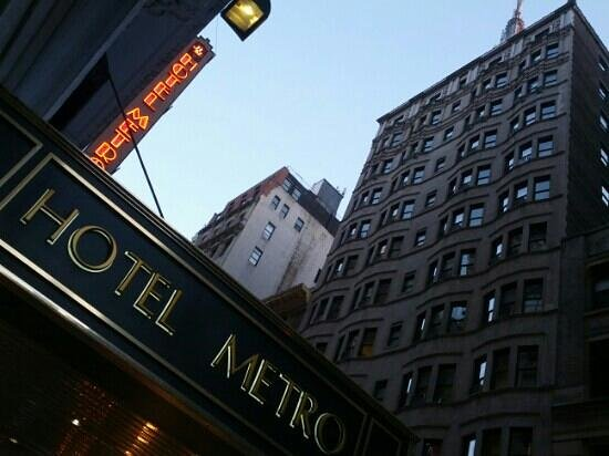Hotel Metro:                   thats the tip of the top of the Empire State Building!