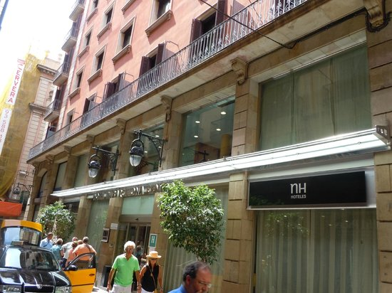 exterior of hotel picture of nh barcelona centro