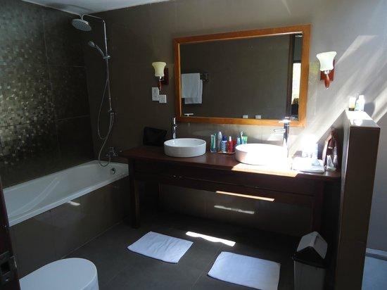 "Eriyadu Island Resort:                   Badezimmer ""DeLuxe"""