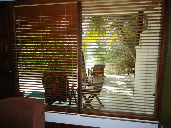 """Eriyadu Island Resort:                   Ausblick Schlafzimmer """"DeLuxe"""""""