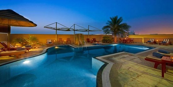 Donatello Hotel Apartments: Swimming Pool