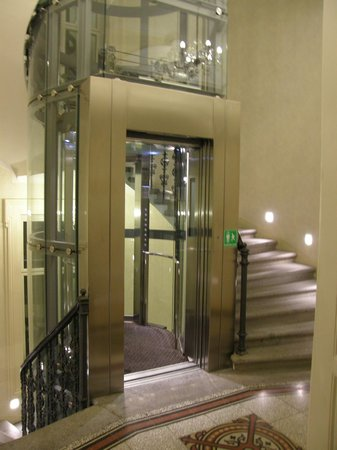 Ventana Hotel Prague: Gorgeous and modern interior