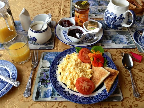 Wits End B & B:                   Gorgeous breakfast