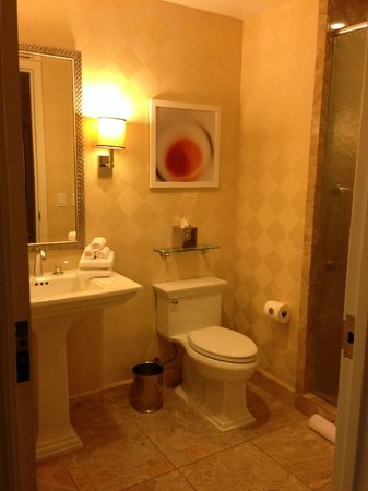 Trump International Hotel Las Vegas:                                     full bathroom off living room