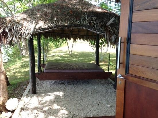 The Havannah, Vanuatu:                   day bed villa 17