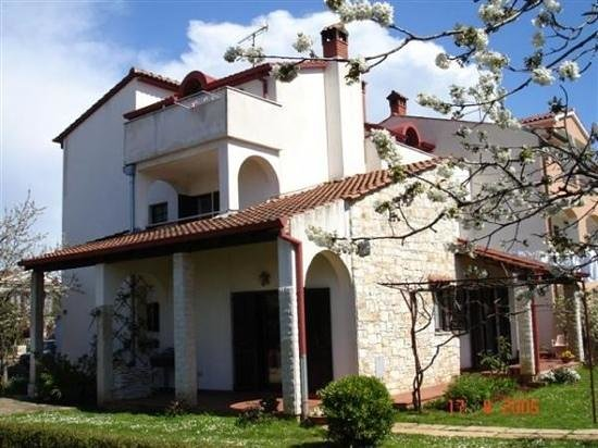 Apartmani Milena:                                     house